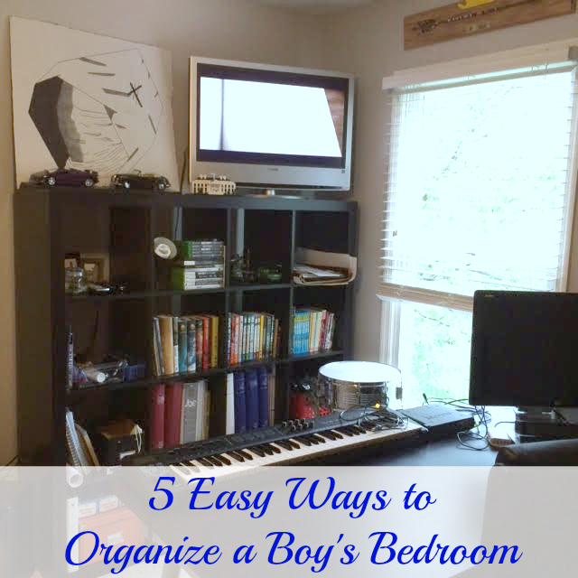 Professional Organizer Lisa Woodruff shows 5 easy ways to organize a boy's bedroom.