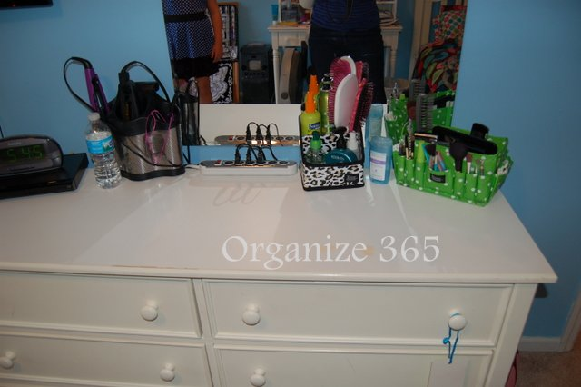 Makeup & Jewelry | Professional Organizer Lisa Woodruff shares 5 easy ways to organize a girl's bedroom.