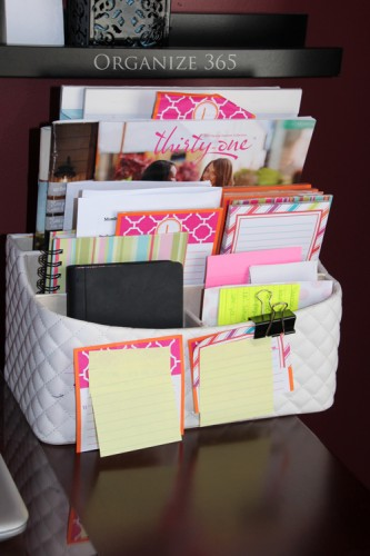 Organizing-your-catalogs-desk-caddy